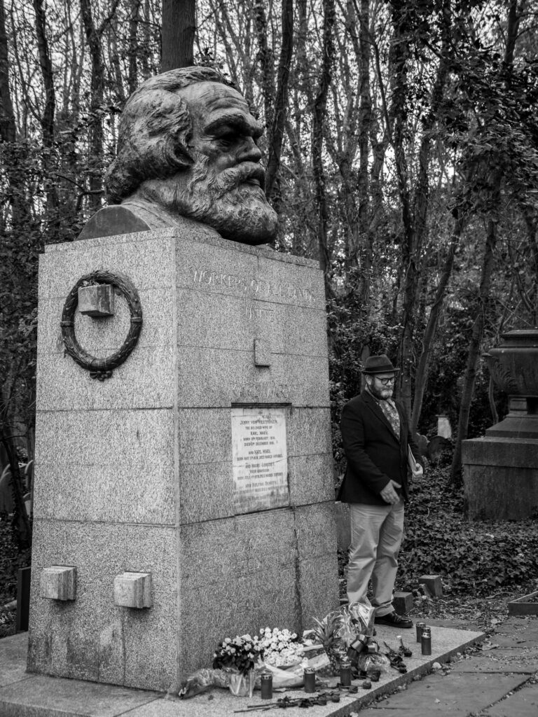 Tombe de Karl Marx au cimetière Highgate, Londres